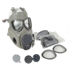 CZECH M10M GAS MASK WITH FILTERS AND DRINK TUBE - LIKE NEW